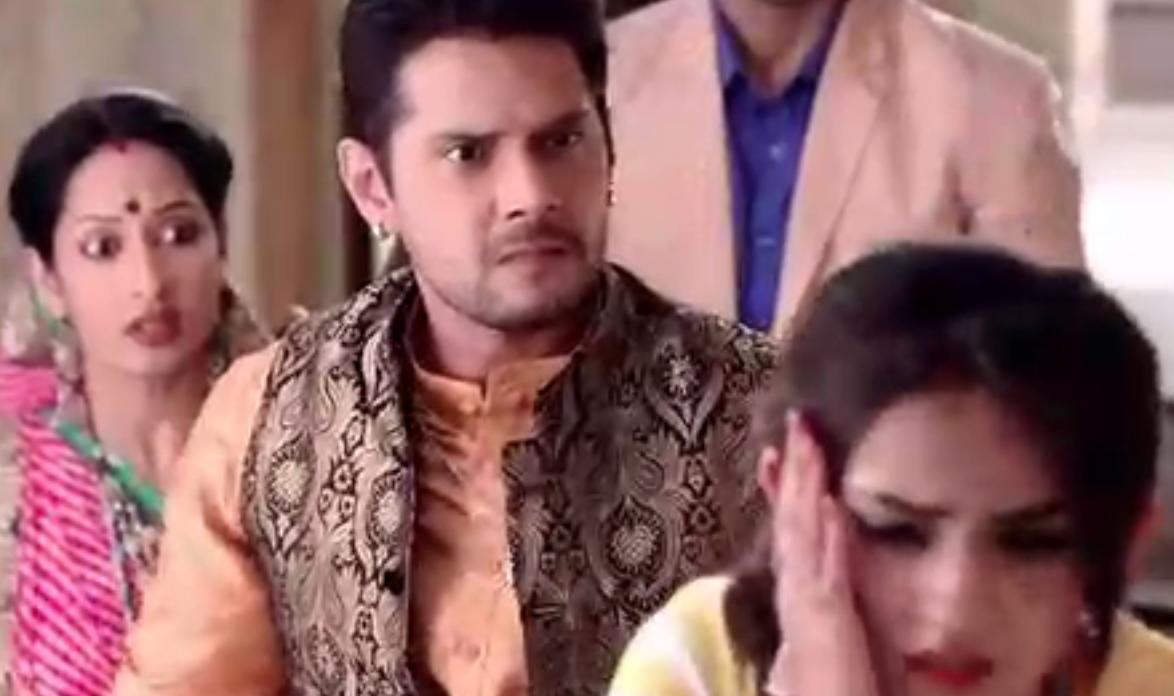 Saath Nibhana Saathiya: Dharam's tight slap across Meera's face, Bhavani smriks