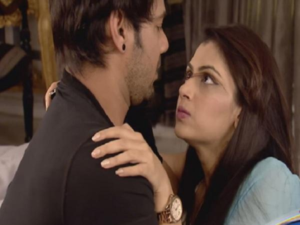 Kumkum Bhagya: Abhi's love safeguards Pragya from Robber's deadly attack